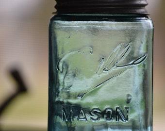 Faint Embossing 1896-1910 Error Ball Mason Jar Pint 3 L Loop Shoulder Seal with Zinc Lid