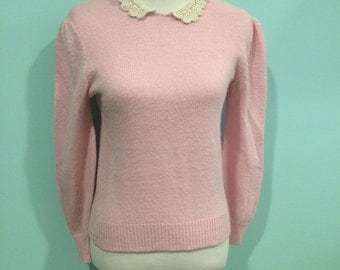 Adorable Vintage Sweater with Lace Peter Pan Collar