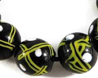 9 Venetian Trade Beads Black Criss Crossed African 97611