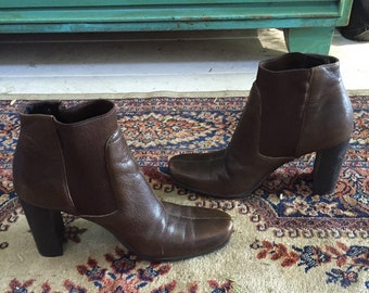 Amazing vintage MIU MIU datk brown leather chelsea ankle boots 35.5
