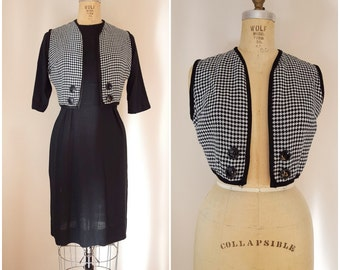 Vintage 1960s Dress / Sheath Dress / Houndstooth / Black and White Dress / Mod Dress / Small-Medium