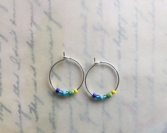 blue green yellow silver hoop earrings, small siver plated hoop earrings, glass beads earrings, colorful rainbow hoop earrings, gift for her