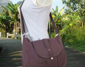 brown cotton canvas messenger bag / shoulder bag / everyday bag / diaper bag / cross body bag - 6 pockets