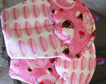 Handmade Cupcake Potholder with pink cupcakes and macaroons themed oven mitts