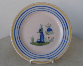 """HENRIOT QUIMPER PLATE French Pottery Faience 7.5"""" Breton Brittany Peasant Woman Cobalt Green Yellow Vintage Authentic Handpainted 1925-1968"""