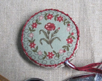 La Belle Fleur by French General, Retractable tape measure, covered with fabric