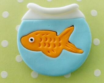 12 fondant cupcake toppers--goldfish