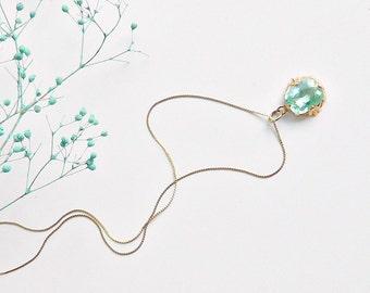 Vintage 14K Gold Aquamarine Necklace. Art Deco Aquamarine Pendant. 14K Gold Chain.