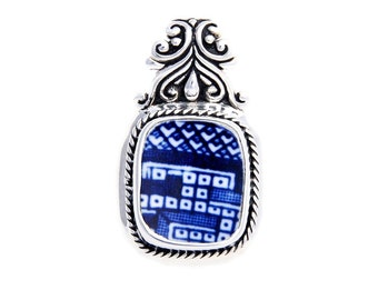 Broken China Jewelry Churchill Blue Willow Geometric Sterling Silver Pendant
