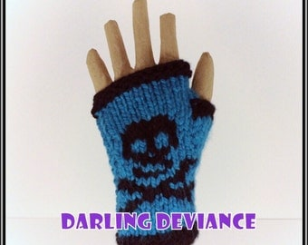 Fingerless Gloves - Skulls!