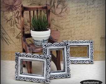 Miniature picture frame, dollhouse miniature, shabby chic dollhouse decor, 12th scale miniature frame
