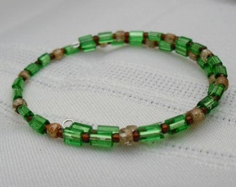 Green and Gold Beaded Memory Wire Bracelet