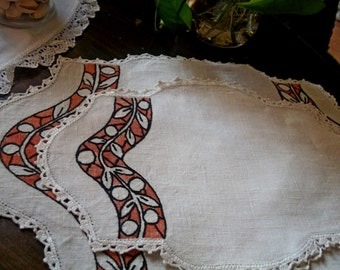 OOAK Absolutely Vintage Hand Embroidered Art Deco Linen Lace Table Set