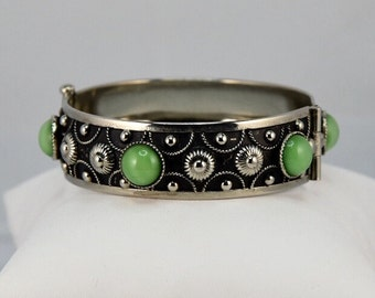 Vintage Arts & Crafts Silver Repousse Pin Hinged Green Bezel Set Cab Bangle Bracelet
