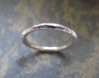 Women's hammered silver band ring - womens's textured wedding band ring in sterling silver