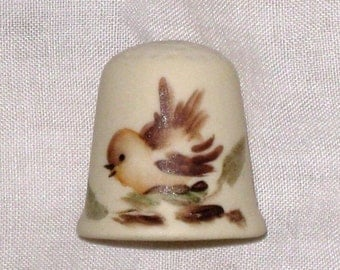 Signed Bisque Thimble With Hand Painted Bird By S. Rains / Sewing Collectible