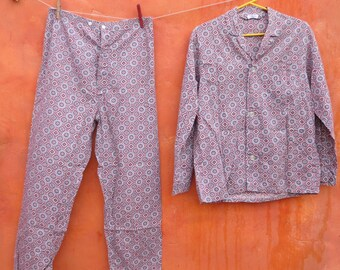 Vintage 1950s 1960s Men's Atomic Red Blue Grey Pajamas Pants Top. Pajama set. Medallion patterned print. Medium