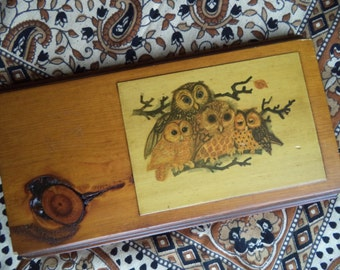 Owl family plaque/ vintage wood owl decoupage/ owl wall hanging/ ready to hang vintage owl wall art