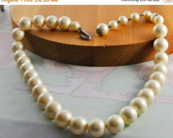 ON SALE Faux Pearl Necklace Costume Jewelry, Vintage Jewelry