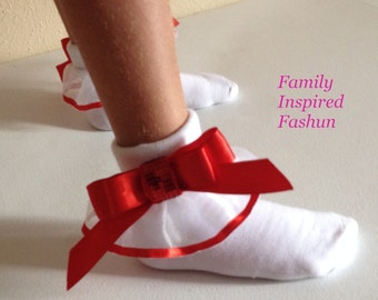 Socks with ruffle and bow