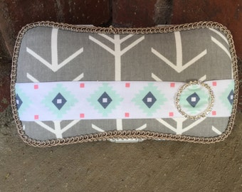 Adorable Aztec and Arrow Travel Diaper Wipes Case