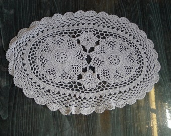 VINTAGE hand crochet doily table