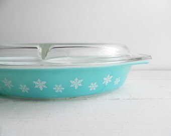 Vintage Pyrex Turquoise Snowflake Divided Casserole