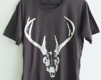 Deer Antlers Skulls Goth Punk Graphic Pop Print T-Shirt L or XL