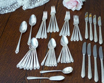 50 Pieces Holmes Edwards Lovely Lady 1937 Service for 8, Set Lovely Lady Holmes & Edwards 50 Pieces