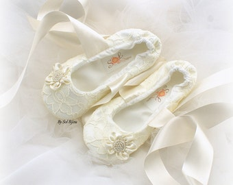 Girl Ballet Flats,Ivory,Flower Girl,Lace Flats,Ballet Slippers,Toddler Shoes,Bat Mitzvah,Confirmation,First Communion,Prom Shoes