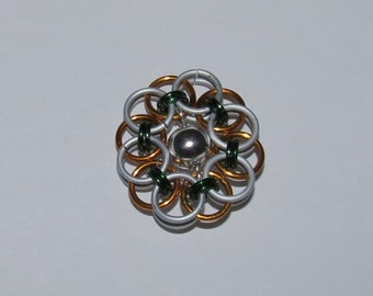 Flower pendant Chainmaille Necklace