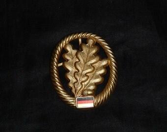German Military Hat Badge Gold Oak Leaf Leaves Flag Metal Clasps Decoration Germany