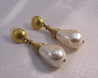 Vintage Anne Klein Designer Faux Pearl Dangle Earrings