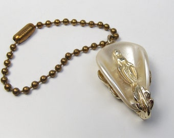 Vintage Religious Plastic Keychain White Pearly & Shiny Gold Virgin Mary 1960s