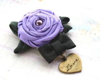 Lavander rose brooch. Purple flowers brooch. Fabric brooch. Polka dots flowers. Beach bridal. Bridesmaids brooches. Violet wedding