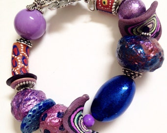 Moody blues and muted purple... A big bead bracelet!