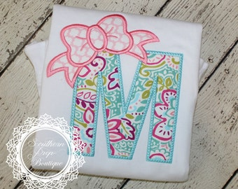 Bow Alphabet Applique Shirt - Personalized Shirt or Onesie - Applique Monogram - Baby Shower gift - Girl's Summer Shirt - Holiday / Birthday