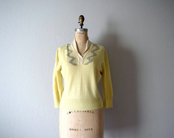 Vintage cashmere sweater . 1950s wool pullover sweater