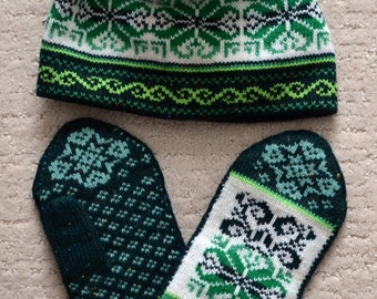 NORWEGIAN Scandinavian Hand Crafted 100% wool HAT and MITTENS set, M / L, folk art, snowflake