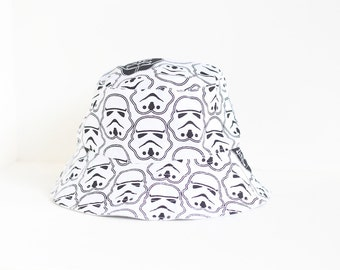 Kid's / Boy's Star Wars hat featuring stormtroopers and Darth Vader