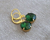 Emerald Green Earrings .. green earrings, glass jewel earrings, vintage glass earrings,  estate earrings