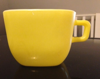 Glasbake Sunny Yellow Outside Square Handle Cup Mug