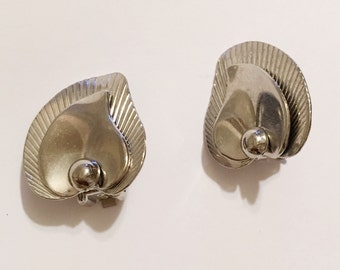 Vintage Silver Tone Leaf  Button Design Clip on earrings