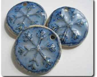 Elaine Ray Ceramic Snowflake Pendant