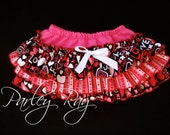 Beautiful Parley Ray Valentine's Day Heart Ruffled Baby Bloomers/ Diaper Cover / Photo Props