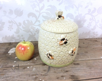Canister, Cookie Jar, Bee on a Beehive, honeybee, honey comb, ceramic canister, kitchen storage, 1960's, apiary, beekeeper, Arnel's