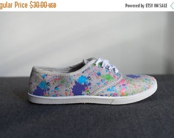 ON SALE Vintage Paint Stains Print Canvas Sneakers Size 6.5