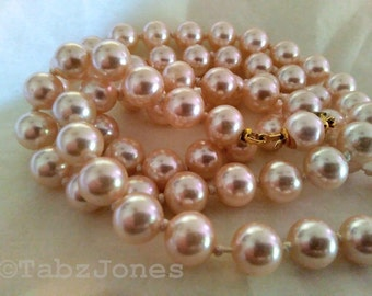 Vintage Blush Pink Glass Pearl necklace