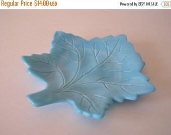 SUMMER SALE Turquoise Milk Glass Leaf Ring Holder