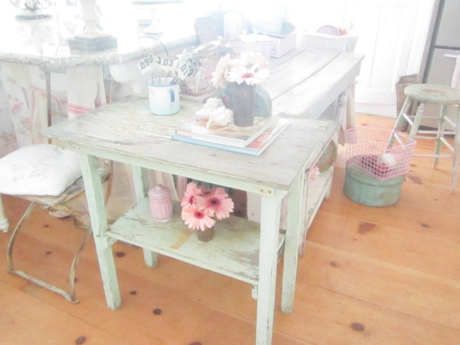 Shabby chic table original aqua farmhouse coffee table chic for Tableaux shabby chic